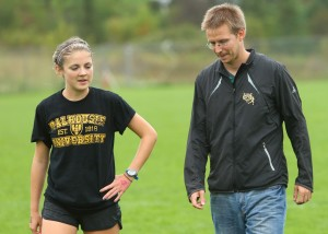 runner-with-coach-Nick-Pearce-photographer